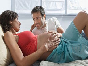 Vợ mang thai - Âu yếm cho đỡ thèm