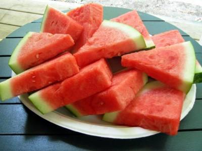 Mang thai không nên ăn dưa hấu ướp lạnh?