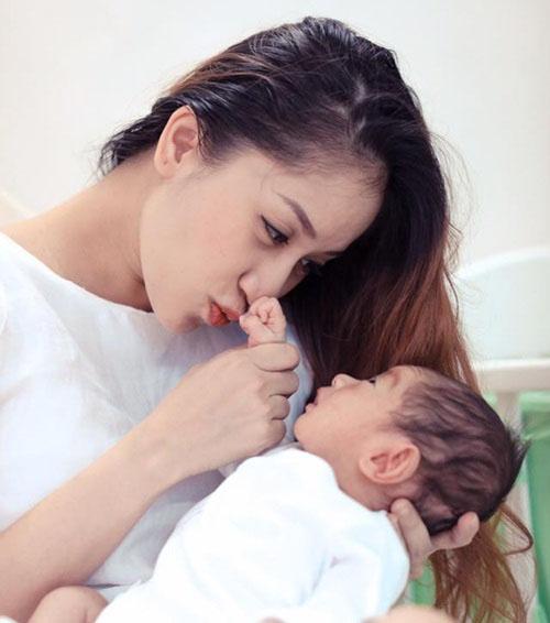 Những nguyên tắc cần nhớ khi cho con bú sữa mẹ